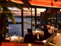 Groot restaurant, lage huur. Terras aan het water !