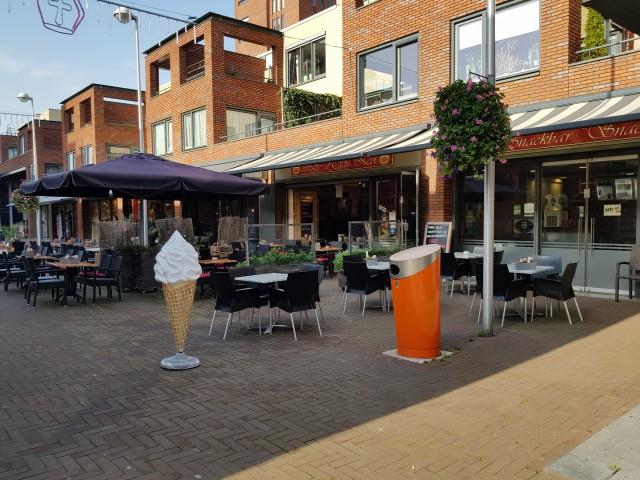 Cafetaria in winkelcentrum Zwolle Zuid met bewezen goede omzet !