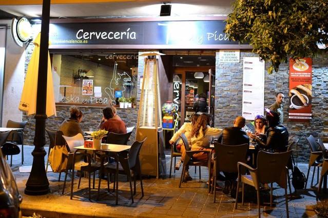 Restaurant vlakbij het Placa del Cedre in Valencia