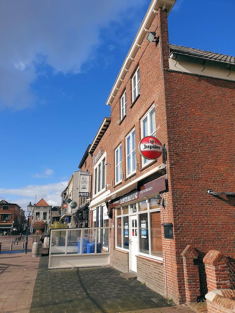 Casco - Café - Restaurant - Markt 5 - Zevenbergen - Horecamakelaardij Knook en Verbaas - 1.jpg