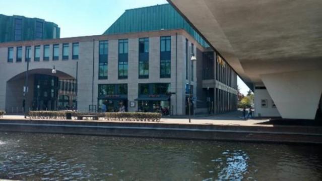 Horecapand 3 etages aan het water, te koop in Helmond tegenover het Kasteel