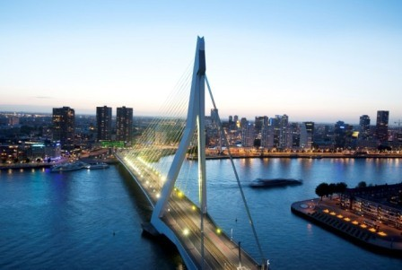 Ter overname aangeboden; Restaurant op een van de mooiste plekkies van Rotterdam–Zuid!! Dit bedrijf wordt u aangeboden door Horecamakelaardij Knook & Verbaas.