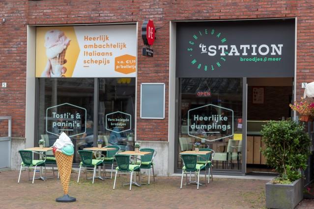 In prijs verlaagd Cerntraal Station Schiedam
