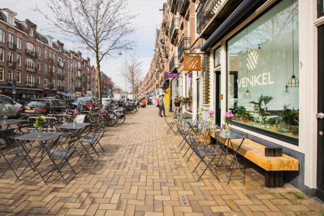 ID2030 Ruime horecazaak met groot terras aan de Javastraat