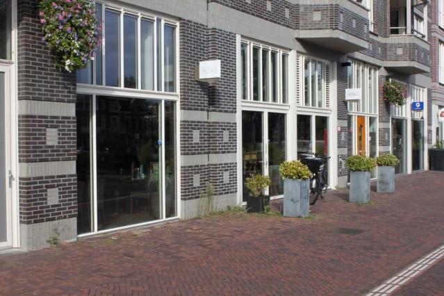 ID2020 Sfeervol ingerichte horecazaak met groot terras in Amsterdam Oost