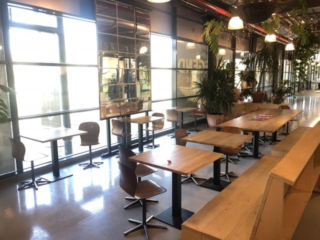 Food stal in druk Winkelcentrum Amsterdam-Lijnden