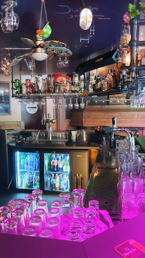 Zeer populair Feestcafé - De Babbelaar - Steenbergen - Horecamakelaardij Knook en Verbaas - 8.jpg