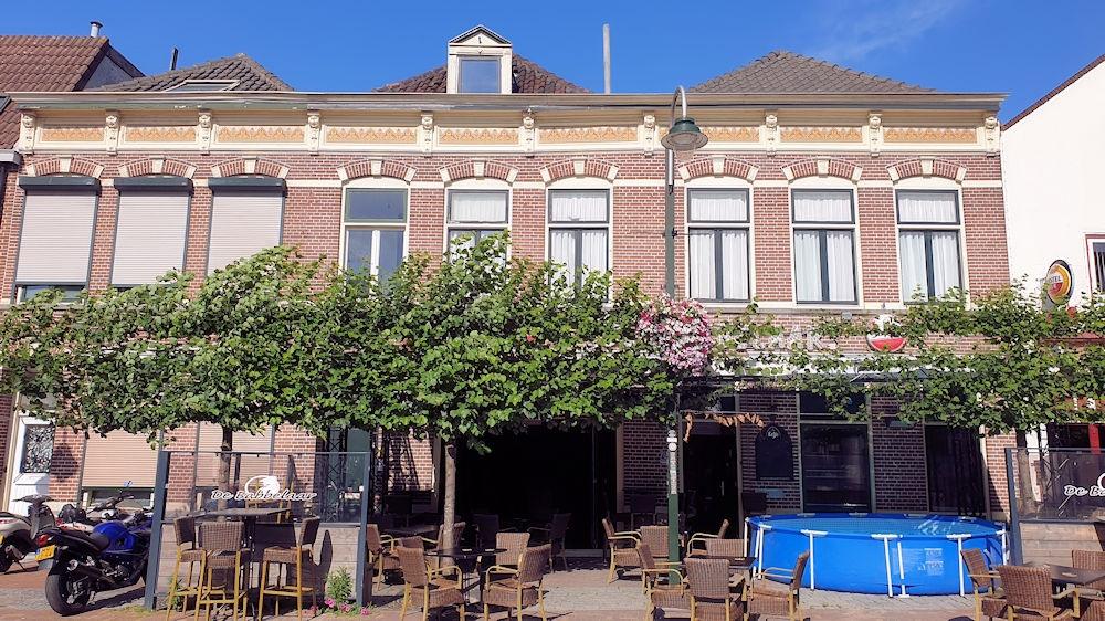 Zeer populair Feestcafé - De Babbelaar - Steenbergen - Horecamakelaardij Knook en Verbaas - 11.jpg