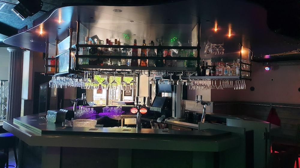 Zeer populair Feestcafé - De Babbelaar - Steenbergen - Horecamakelaardij Knook en Verbaas - 6.jpg
