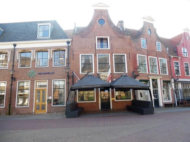 Horeca onderneming inclusief woning in oud Rijswijk te koop