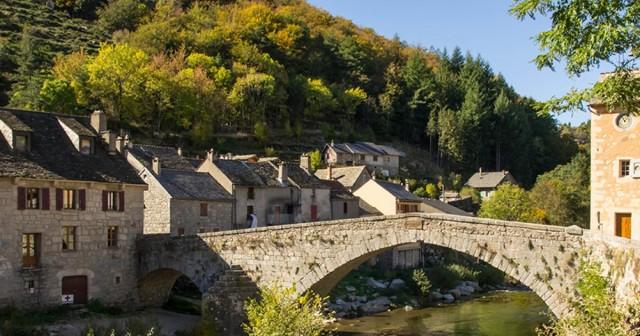 Camping te koop in zuid Frankrijk aan een rivier