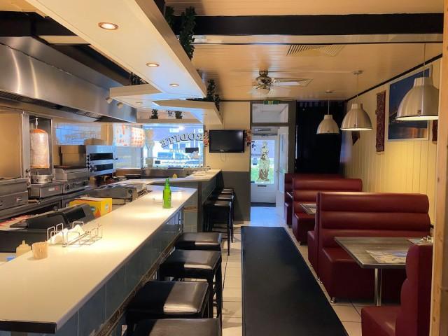 Goedlopende restaurant met bezorg en afhaalservice – met lage huur in Spijkenisse. Dit bedrijf wordt u aangeboden door horecamakelaardij-Knook-Verbaas