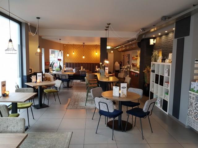 TE KOOP: Goedlopende lunchroom in het centrum van Vlaardingen. VERLAAGT IN PRIJS!!!