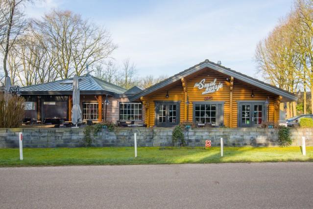 Te koop: het vastgoed en de bedrijfsexploitatie van Het Smulhuisje te Putten. Aangeboden door Klaassen Vastgoedmakelaardij.