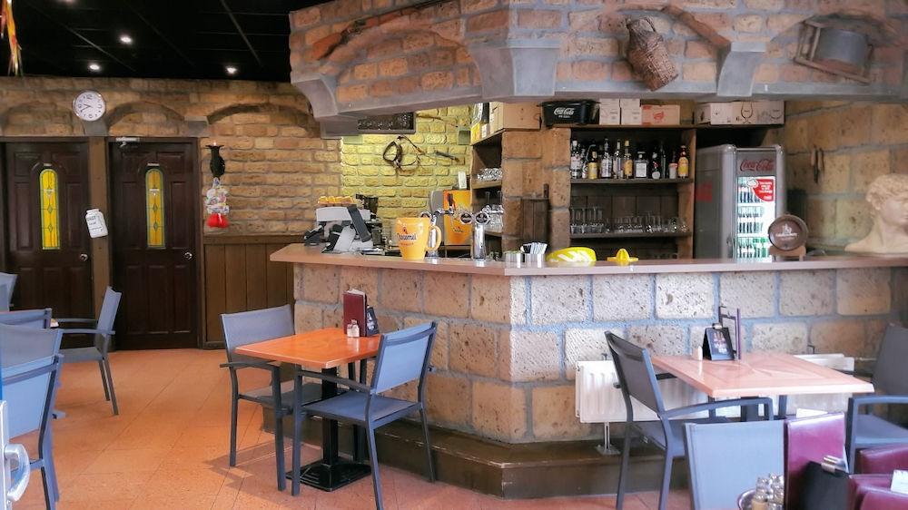 Eetcafé - Het Verschil - Hellevoetsluis - Horecamakelaardij Knook en Verbaas - 1.jpg