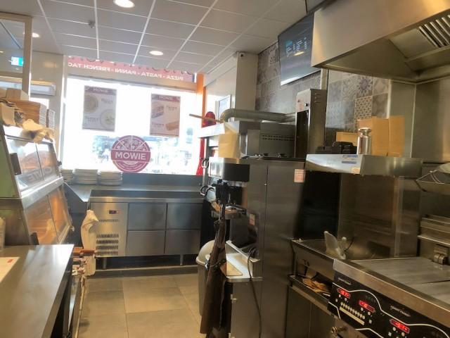 Mowie-Food-Schilderstraat-24a-Rotterdam-Horecamakelaardij-Knook-en-Verbaas-6.jpg