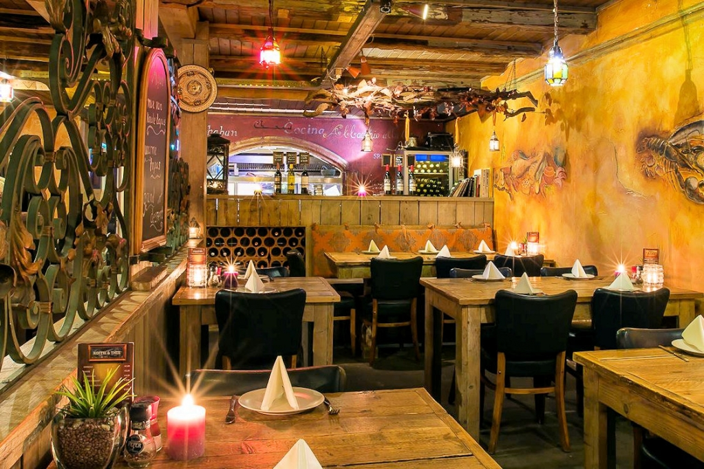 Tapas-Restaurant-Aqui-Voorstraat-47-Numansdorp-Horecamakelaardij-Knook-en-Verbaas-1.jpg