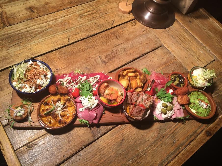 Tapas-Restaurant-Aqui-Voorstraat-47-Numansdorp-Horecamakelaardij-Knook-en-Verbaas-3.jpg