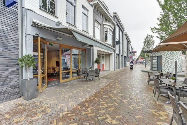 Lunchroom 0318 met terras in dé winkelstraat van Veenendaal