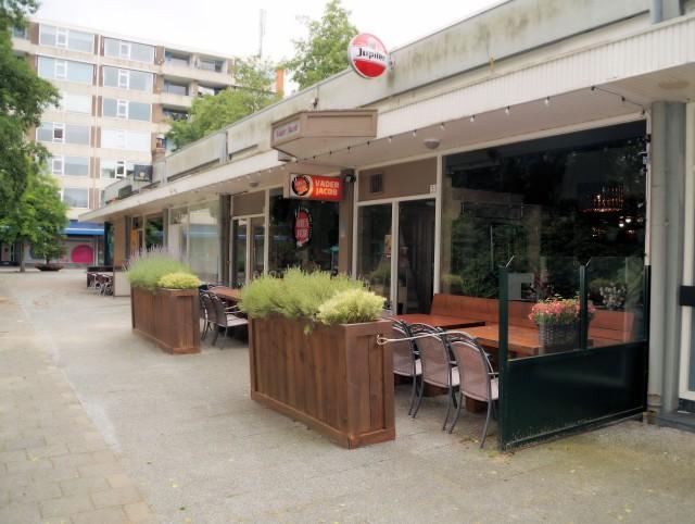 Te huur: 210 m² horecaruimte met terras, gevestigd aan het Jacob van Campenplein 33 te Rotterdam