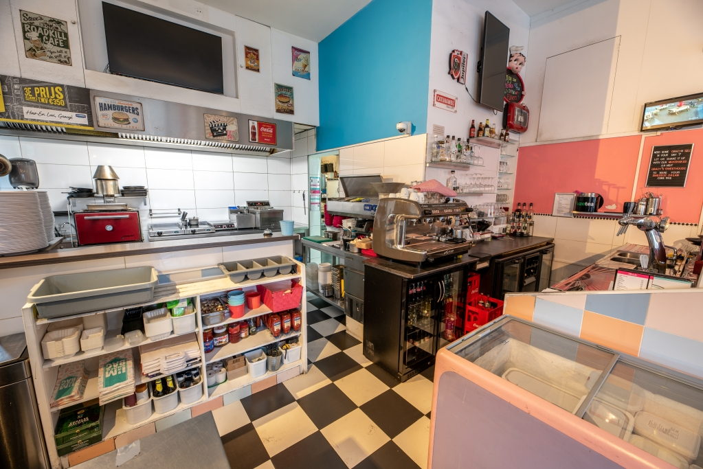 08 American Diner  te koop - bar keuken.jpg