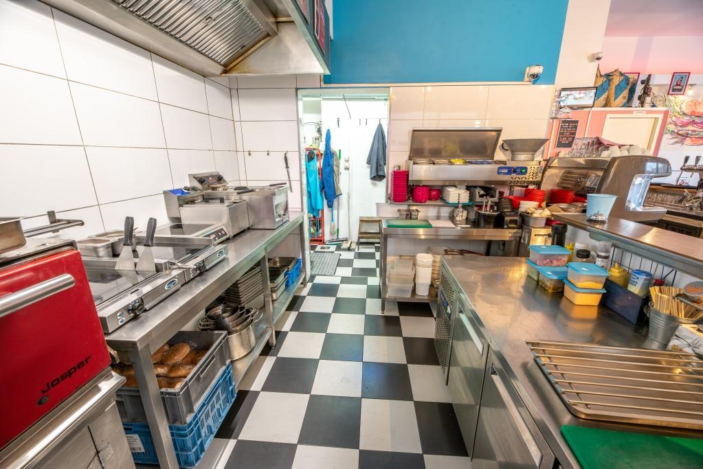 12 American Diner  te koop - keuken.jpg