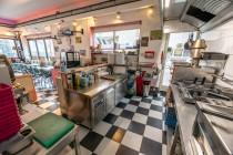 13 American Diner  te koop - keuken.jpg