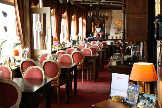 Restaurant van voor naar achteren.jpg