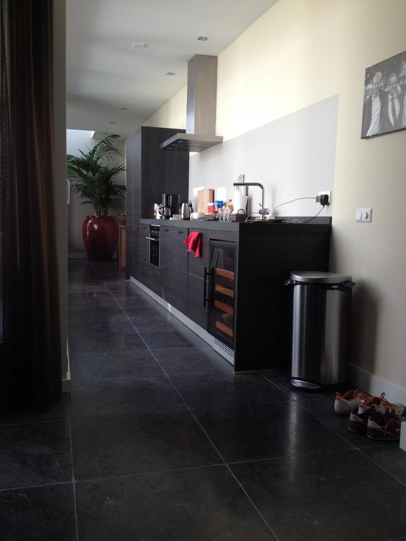 Wijnklimaatkast PT-S 40 WK ingebouwd in een keuken.JPG