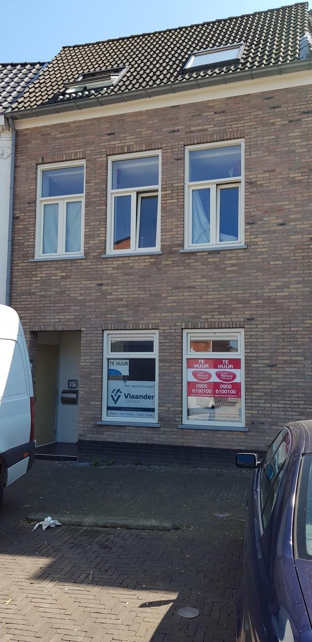 Casco winkel-, kantoor- of horecalocatie in centrum van Axel.