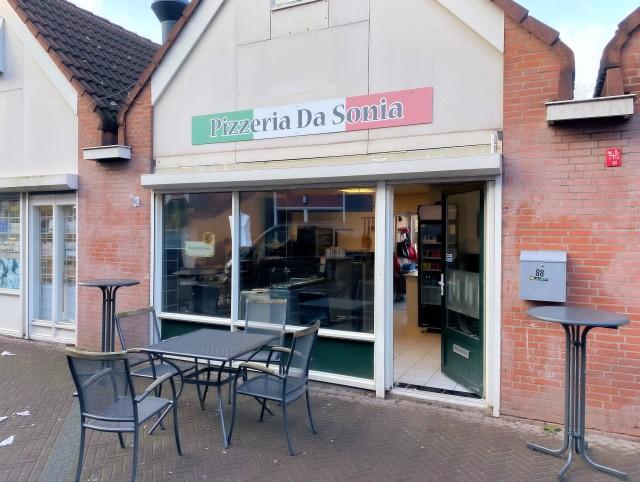 """Pizzeria """"Da Sonia"""" Zwanenhoek 88 te Spijkenisse"""
