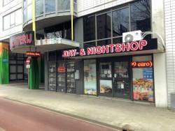 Avondwinkel-en-Slijterij-Day-and-Night-Rotterdam-Horecmakelaardij-Knook-en-Verbaas-uitgelicht.jpg