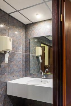 06) toiletten verdieping 1 (3).jpg