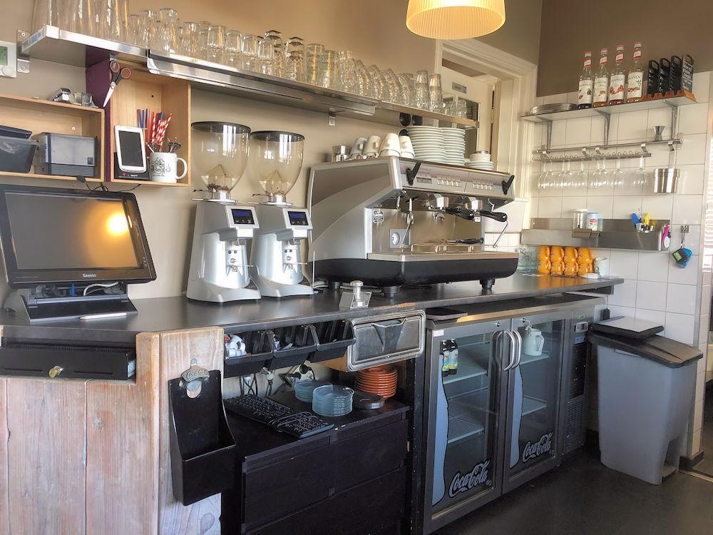 Croissanterie-Het-Tramhuis-Groene-Kruisweg-819-Rotterdam-Horecamakelaardij-Knook-en-Verbaas-8.jpg
