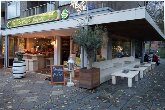 ID2234 Complete horecazaak aan de Buitenveldertselaan nabij Amsterdamse Zuidas