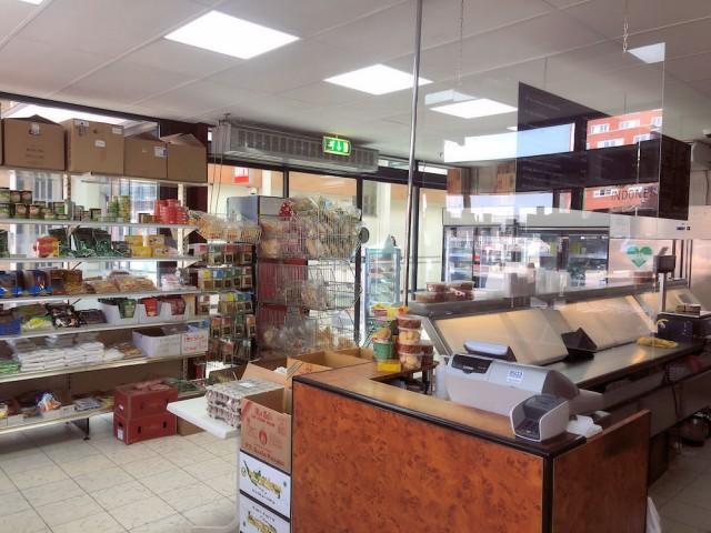 H20210027-Toko-Raju-Winkelcentrum-Keizerswaard-Rotterdam-Zuid-Horecamakelaardij-Knook-en-Verbaas-3.jpg