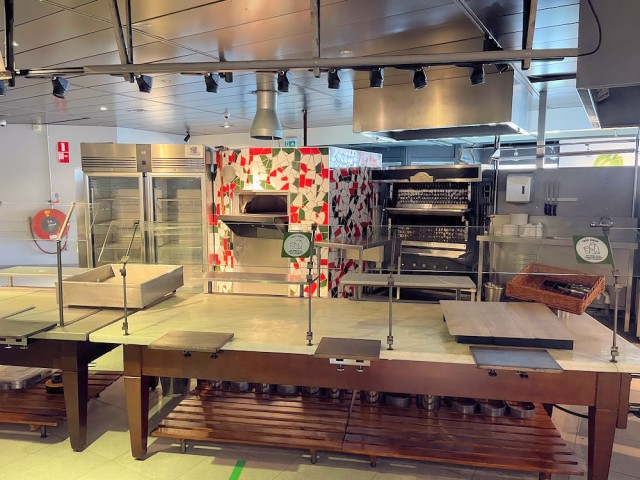 Wegrestaurant - Kiosk - Langs A16 - Hazeldonk Oost - Breda - Horecamakelaardij Knook en Verbaas - 3.jpg