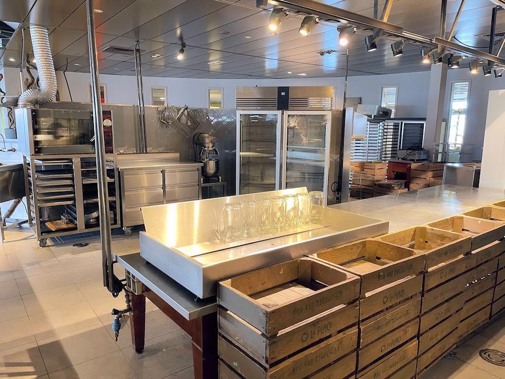 Wegrestaurant - Kiosk - Langs A16 - Hazeldonk Oost - Breda - Horecamakelaardij Knook en Verbaas - 4.jpg