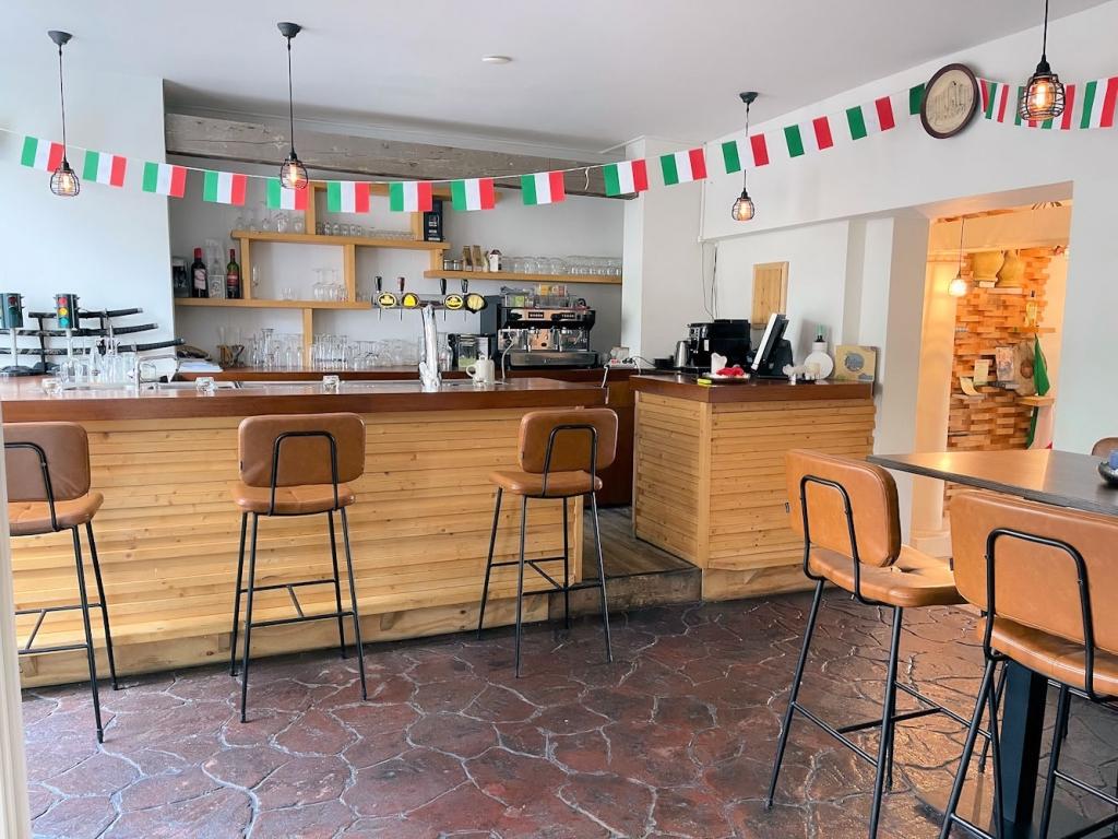 POP UP Restaurant - Boompjesstraat 5a - Strijen - Horecamakelaardij Knook en Verbaas - 3.jpg