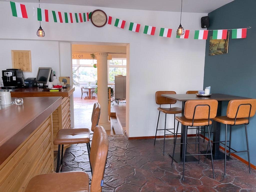 POP UP Restaurant - Boompjesstraat 5a - Strijen - Horecamakelaardij Knook en Verbaas - 5.jpg