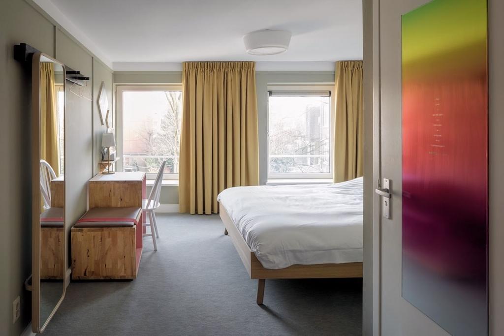 Hotel met 16 kamers - Rotterdam - Horecamakelaardij Knook en Verbaas - 4.jpg