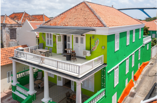VMH5-2586 Pension/-appartementencomplex met 24 kamers in Willemstad Curaçao