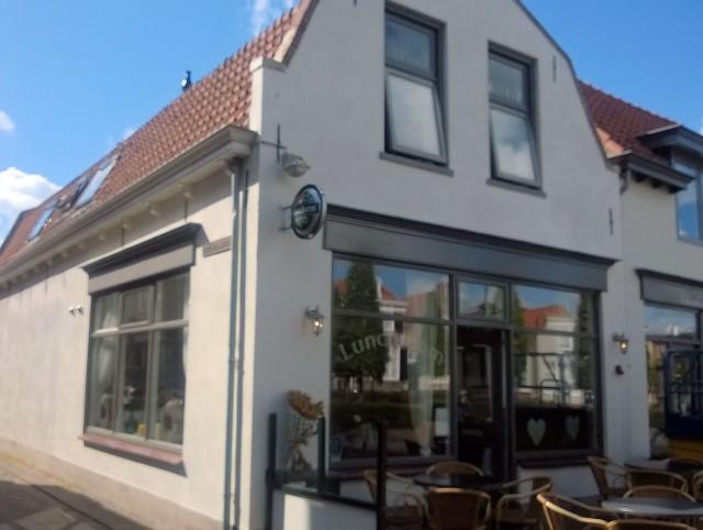 LAATSTE KANS: luxe cafetaria 't Hoekske – Sint-Maartensdijk. U aangeboden door Horecamakelaardij Knook & Verbaas (mevrouw Th.M. du Bois, 06-23571826)