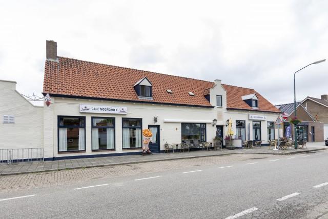 Te koop: Eetcafé-Zaal-Partyservice 'Noordhoek'. U aangeboden door Horecamakelaardij Knook & Verbaas (mevrouw Th.M. du Bois, 06-23571826)