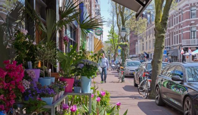 Discreet ter overname aangeboden - Toplocatie!! -  Vastgoed met Eetcafe in goede Haagsche wijk