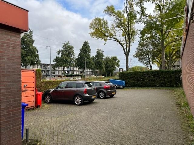 Parking eigen terrein.jpg